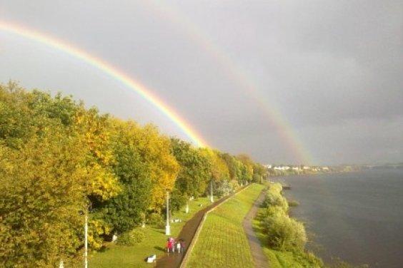 Осенний дождь и радуга