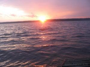 красивые закаты на озере Волго