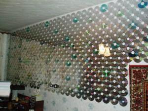 оформление стены CD дисками