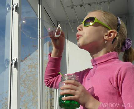 пускать мыльные пузыри – отличный отдых и хорошее настроение