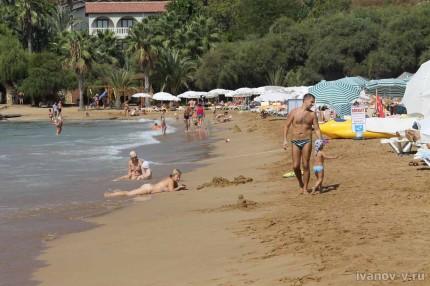 Отель Aska Buse Resort - песчаный пляж