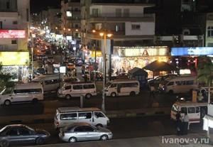 город Хургада вечером