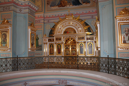 отреставрированный Свято-Успенский монастырь в Старице