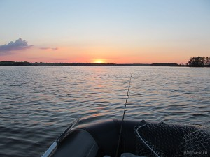 Рассвет на озере Волго