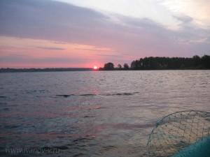встает Солнце на озере Волго