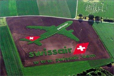 Одна из самых гигантских реклам в мире. Фото сделано из иллюминатора самолета