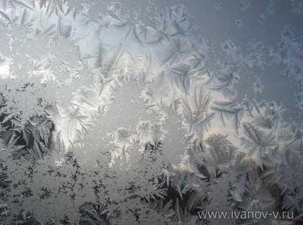 Зимние узоры на окне