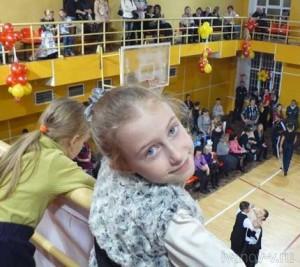 Младшая дочь была довольна тому, что удалось посмотреть турнир по спортивным танцам
