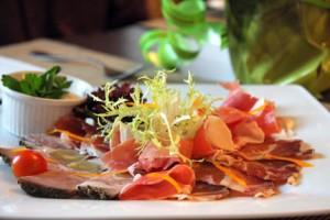 итальянское блюдо карпаччо