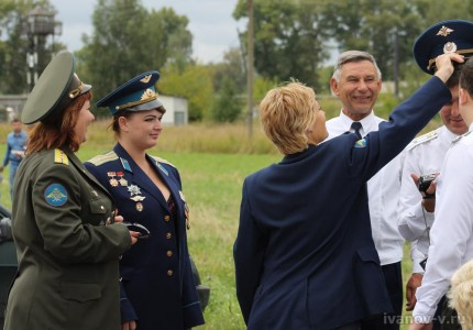 Праздник 100-летие авиации ВВС в Мигалово, летчики и их боевые подруги