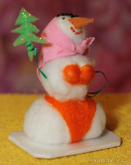 снежная баба в стрингах