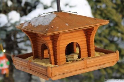 красивая кормушка для птиц
