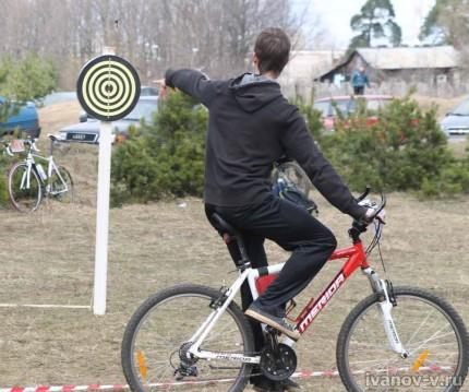 Открытие велосезона 2013, дартс