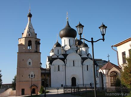 Свято-Успенский монастырь в Старице