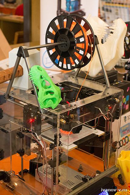 3D принтер в работе